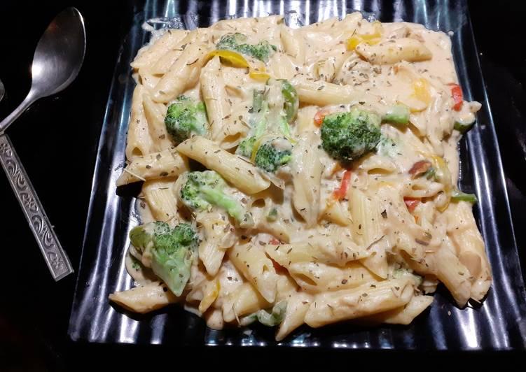 Creamy White Sauce Pasta