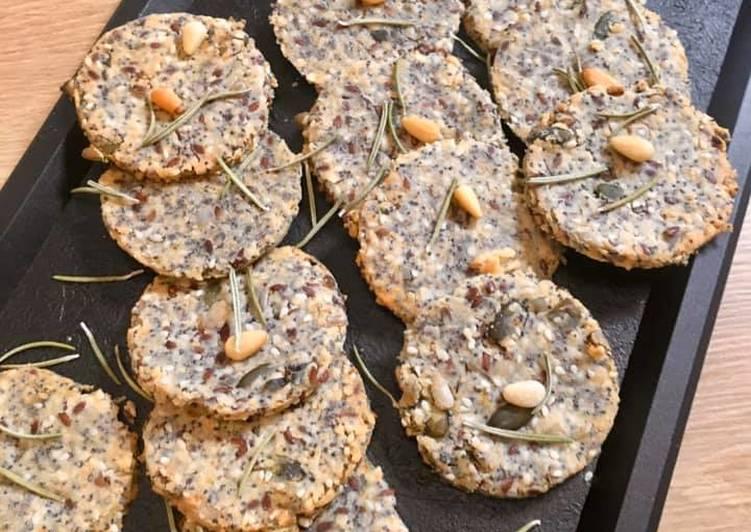 Crackers aux Graines et Parmesan