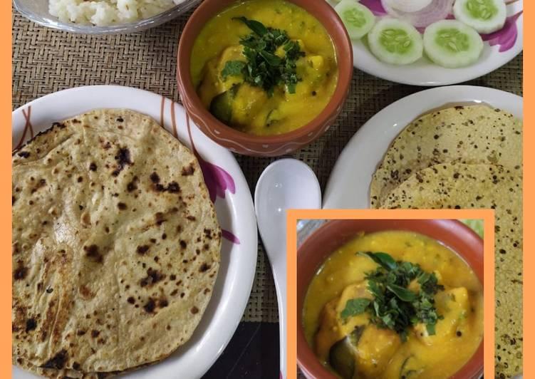 Punjabi kadhi pakora thali