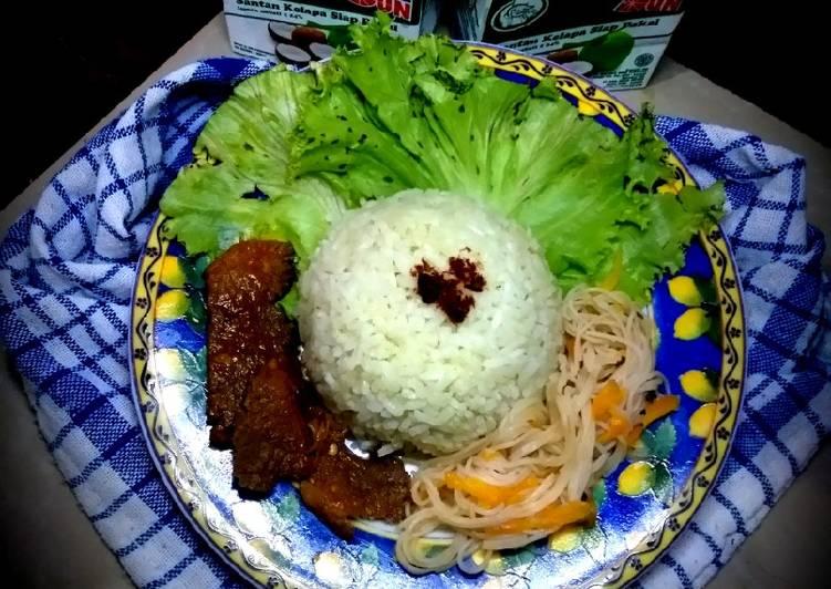 Nasi uduk hijau