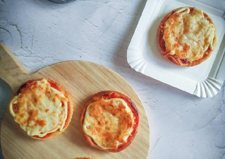 Cara Mudah Masak: Mini Cheesy Pizza  Lazat