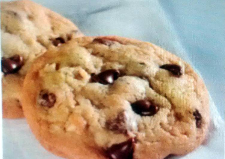 Simple Way to Prepare Homemade Original Nestlé Toll House Chocolate Chip Cookies
