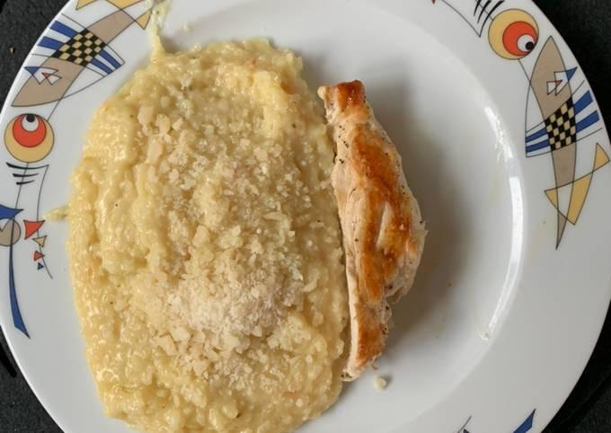 Schritt für Schritt Anleitung Um Hausgemachte Hähnchenbrustfilet mit Zucchini Risotto aus dem Thermomix zu machen