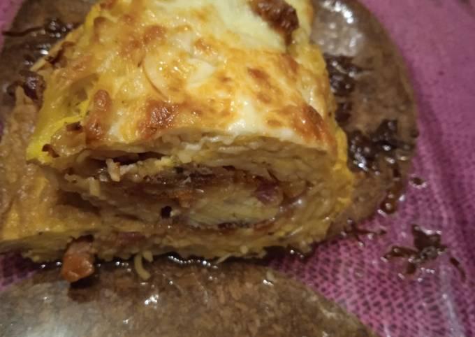 Pâtes carbonara en mode omelette roulée