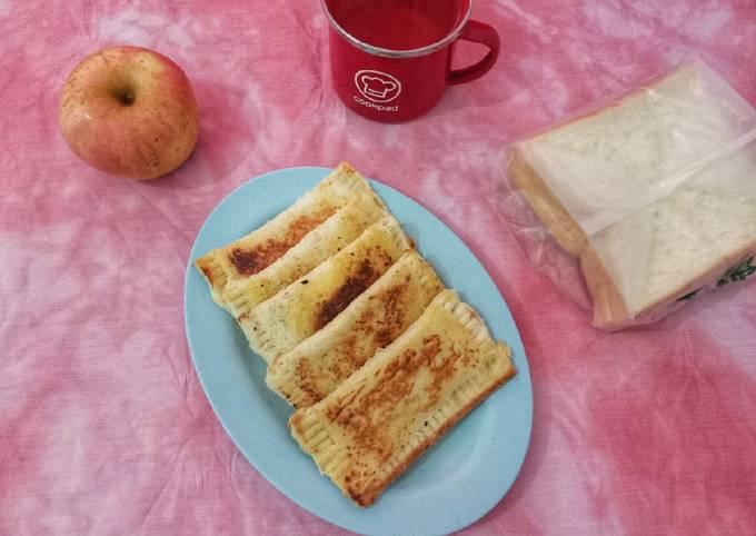 Roti Tawar Isi Apel Keju