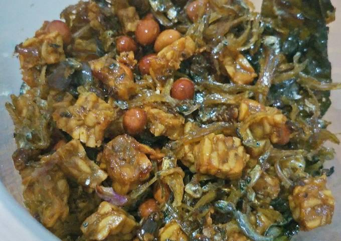 sambal goreng kering teri kacang dan tempe - resepenakbgt.com