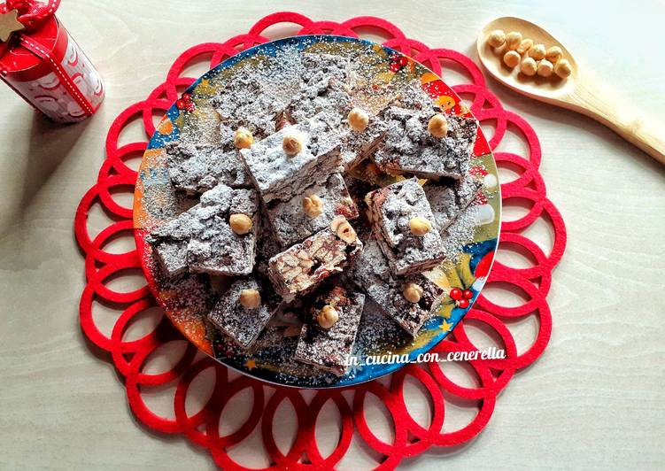 Torroncini di croccante di biscotti e nocciole