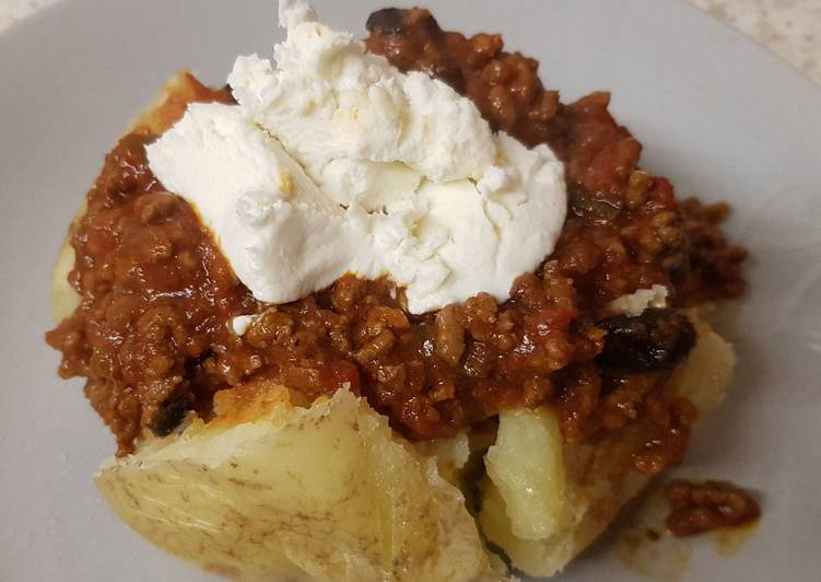 Easiest Way to Make Any-night-of-the-week My Chilli Beef in a jacket potatoes