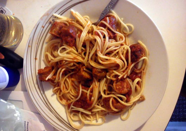 Spaghetti with sauce-age