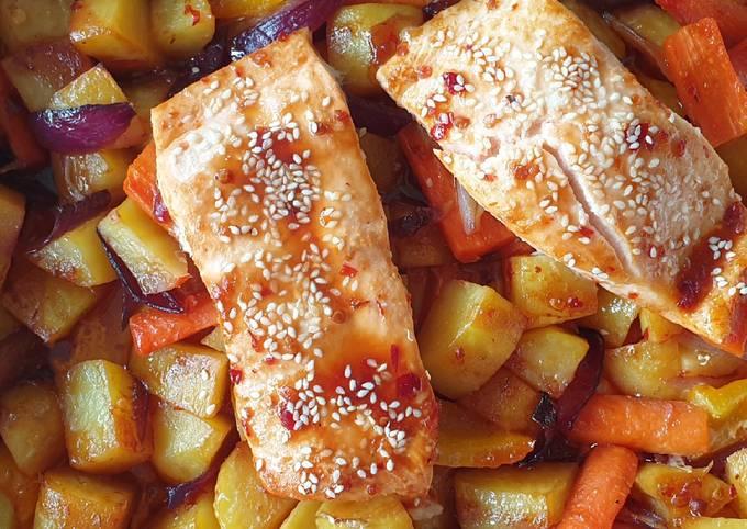 Sweet chili salmon tray bake