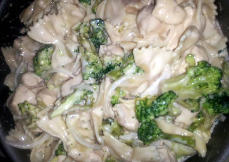 Angel's Chicken and Broccoli Alfredo