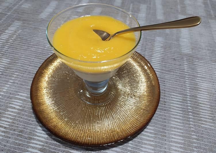 Copas light de queso crema y puré de mango sin azúcar
