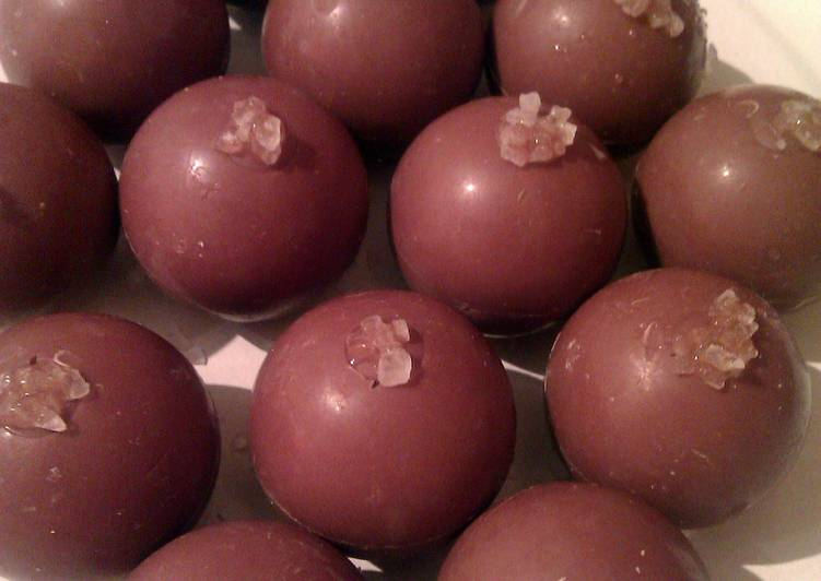 Permalink to Vickys Salted Caramels, Christmas Hamper Gift, Gluten, Dairy, Egg & Soy-Free Recipe