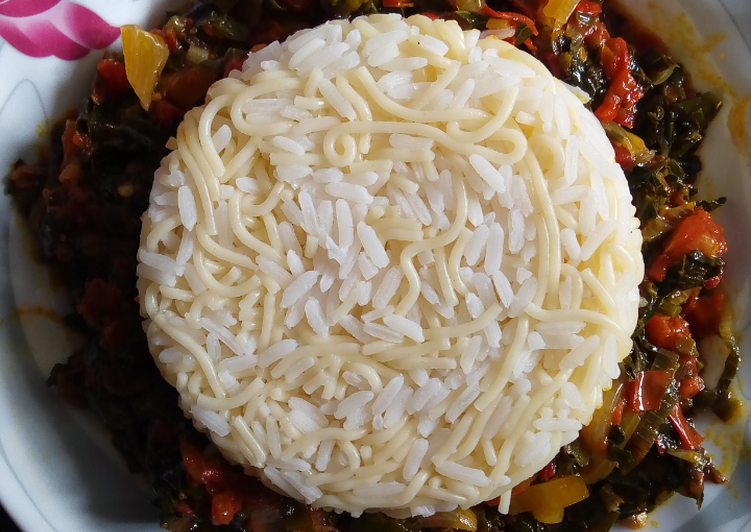 Simple Way to Prepare Super Quick Homemade White Rice and Pasta with Vegetable Sauce