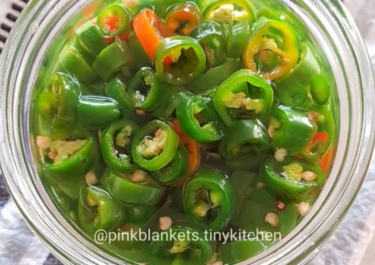 Chinese Pickled Green Chilies