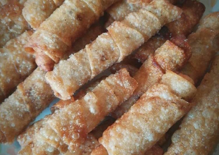 لفائف الدجاج المقلية (Chicken roll)