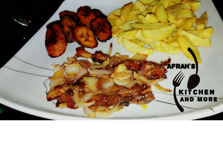 Steps to Make Ultimate Fried Irish potatoes,plantain and oven baked chicken