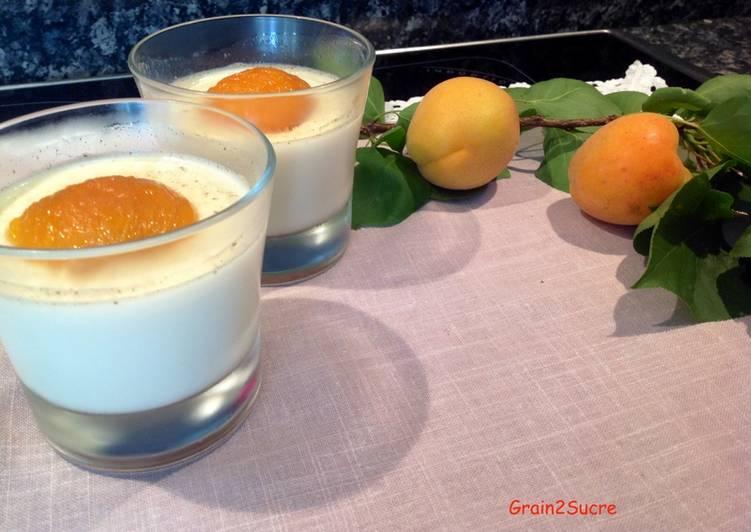 Recette De Panna cotta à la fleur d'oranger et abricots rôtis