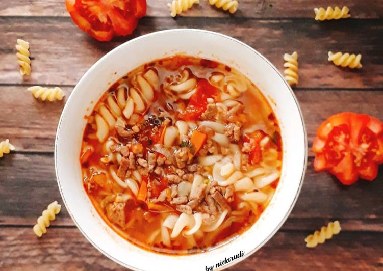 Bolognaise Fusili Soup