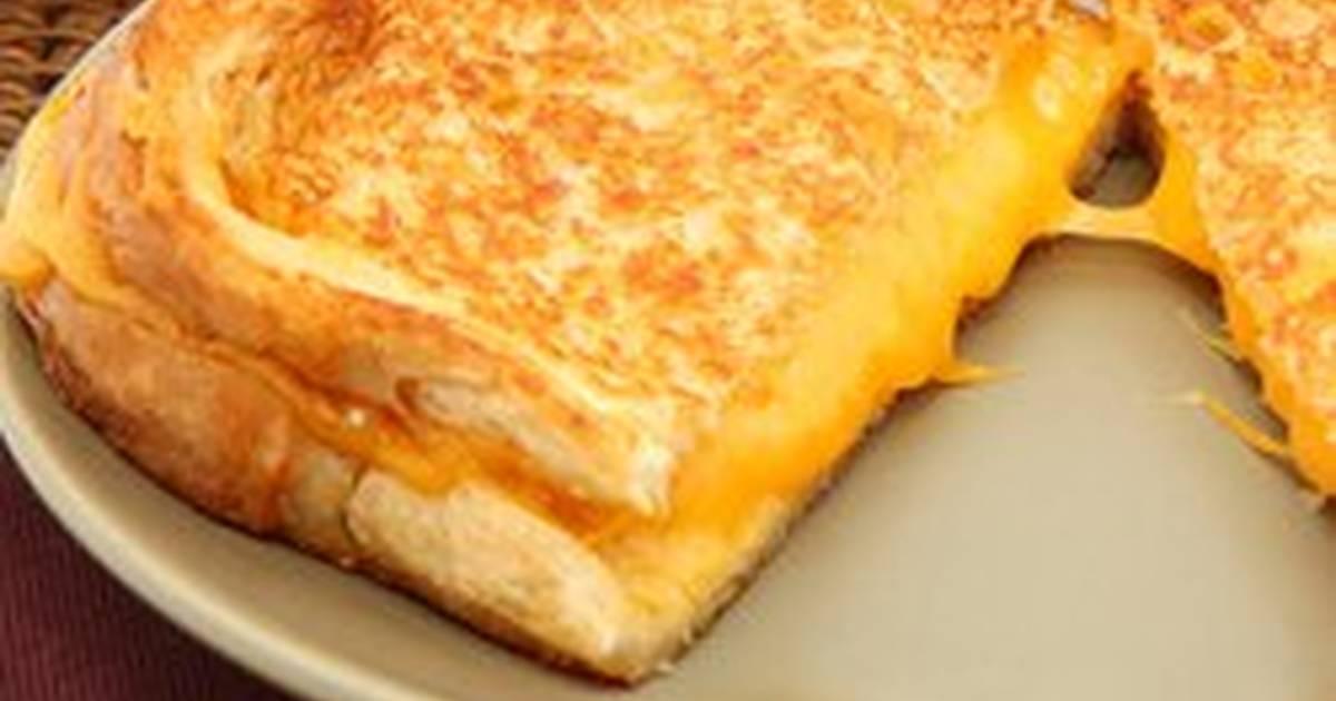 طريقة عمل توست مقلي محشي بالجبن بالصور من أم يزيد كوكباد