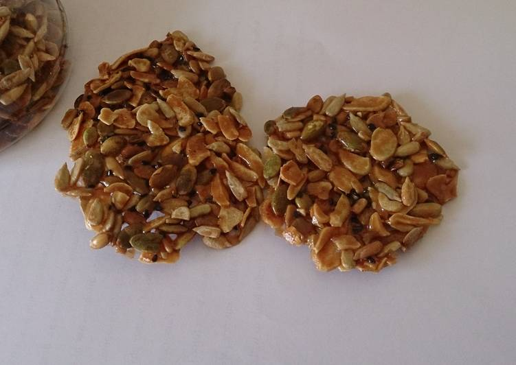 Recipe of Perfect Crunchy Caramel Nuts