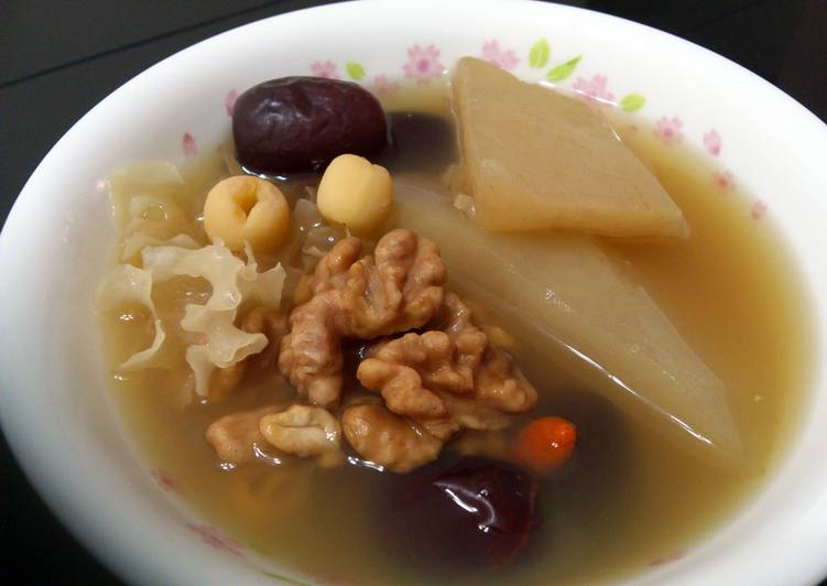 LG WALNUT AND LOTUS SEED WINTER MELON VEGETARIAN SOUP, Choosing Fast Food That's Fine For You