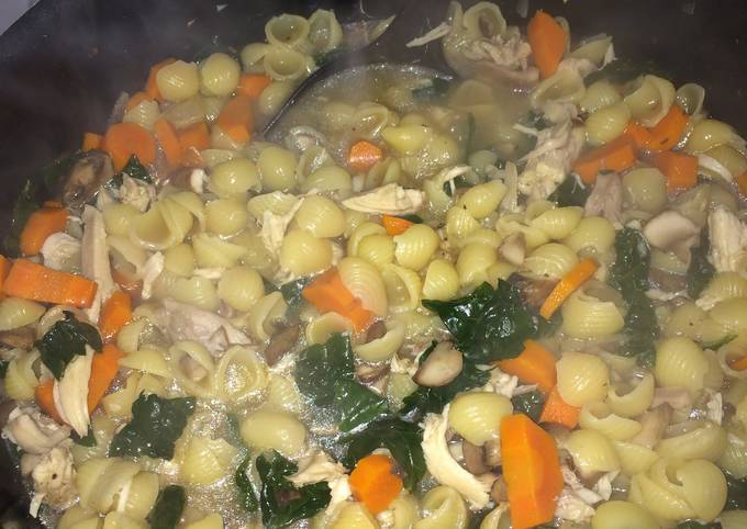 Chicken And Shells Soup