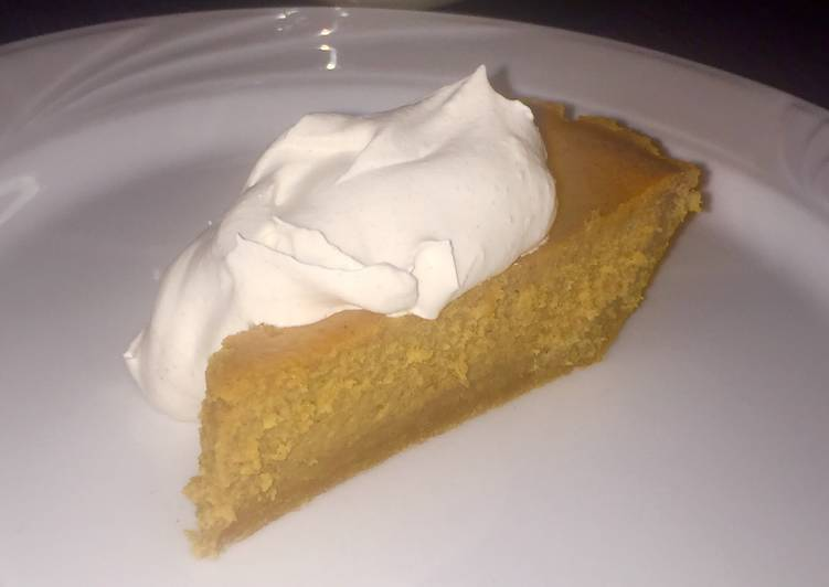 Pumpkin Cheesecake with Spiced Whipped Cream