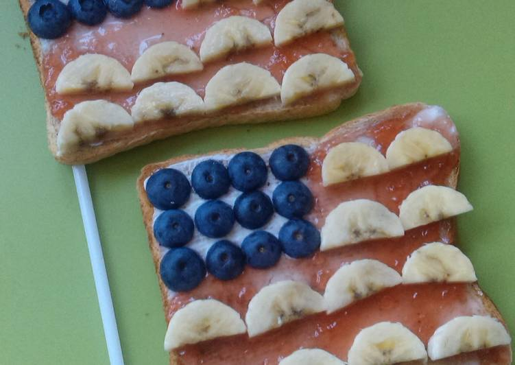 Vickys 'Star-Spangled Banner' Toast, 4th of July Kids Breakfast