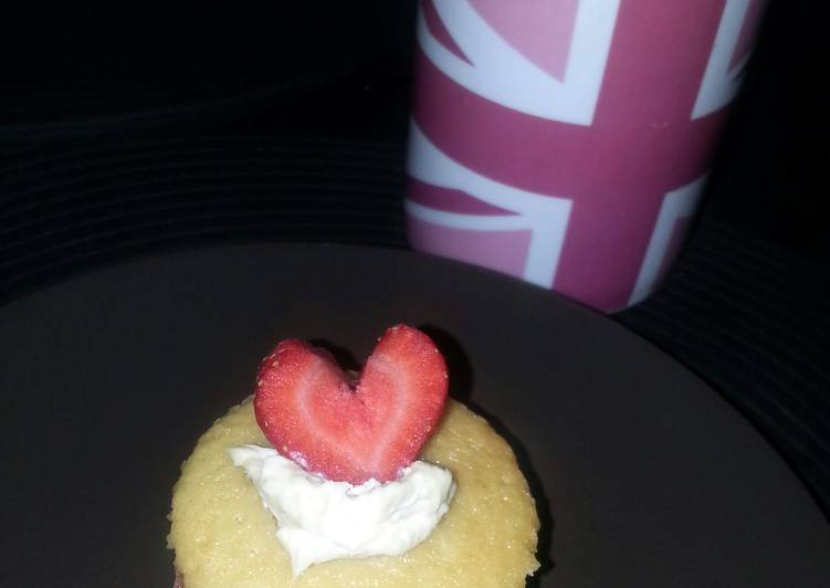 Simple Way to Make Super Quick Homemade Valentine Vicky Sponge Cupcakes