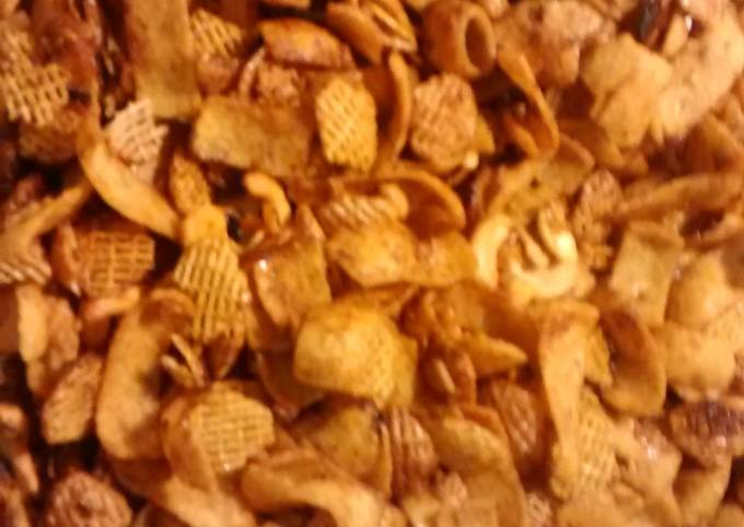 TL's Zesty Snack Mix
