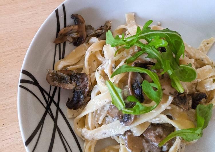 How to Cook Appetizing Creamy Garlic Mushroom Pasta