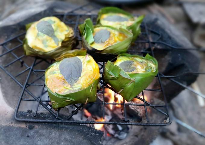 Ook Kai / kai Paam / Baked Eggs in Banana Leaves