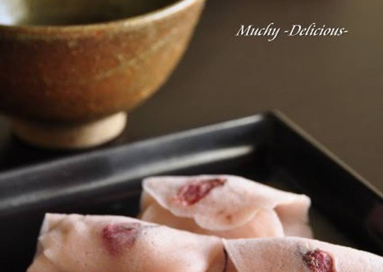 Simple Way to Prepare Ultimate Cherry Blossom Mochi with Petals