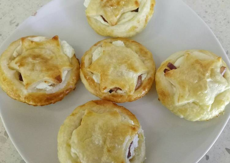 Goat's cheese and caramelised balsamic onion mini pies 🎄, Help Your Heart with Food