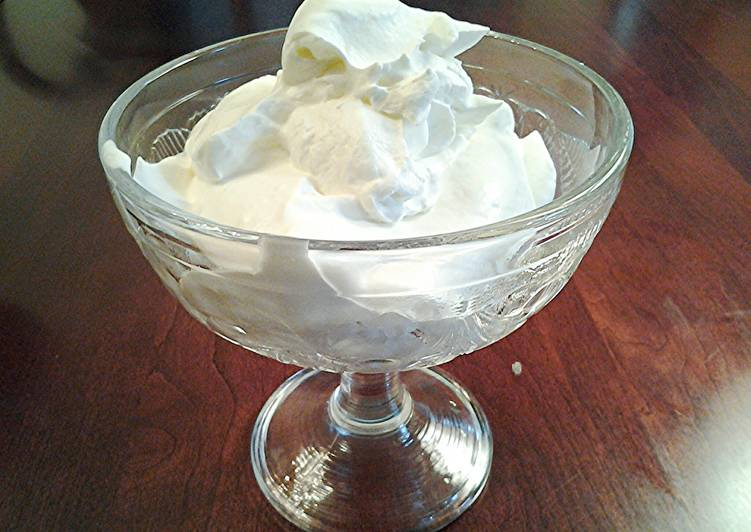Simple Way to Prepare Award-winning Stabilized Whipped Cream, For Frosting, Topping and Dipping