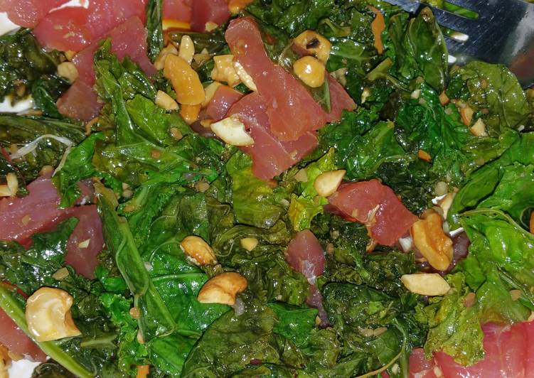 Raw Tuna Kale Teriyaki Sesame Salade with Cashews