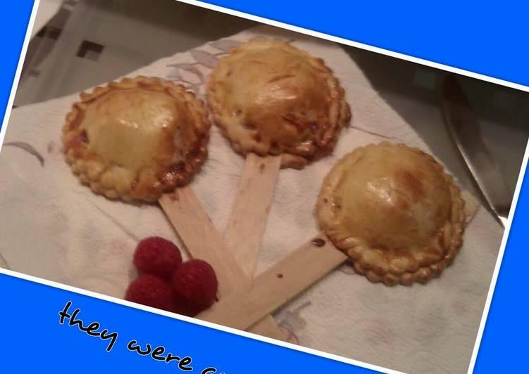 'V' Raspberry Apple Pie Pops