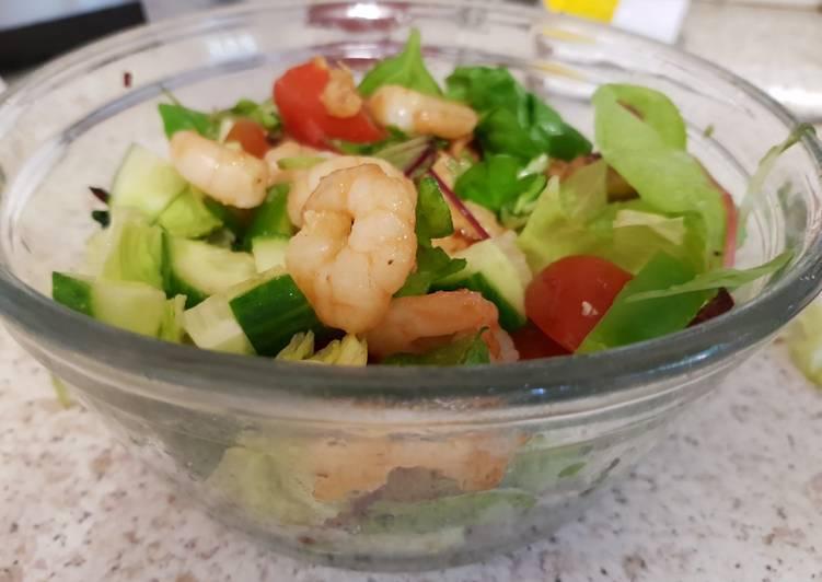 Garlic Buttered Prawns & Chicken Salad