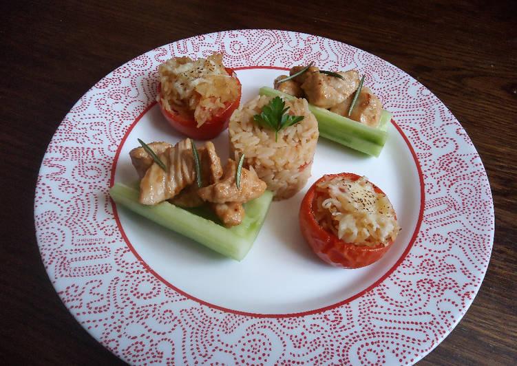 Tomates piémontaises, barquette de concombre au poulet et risotto de tomate