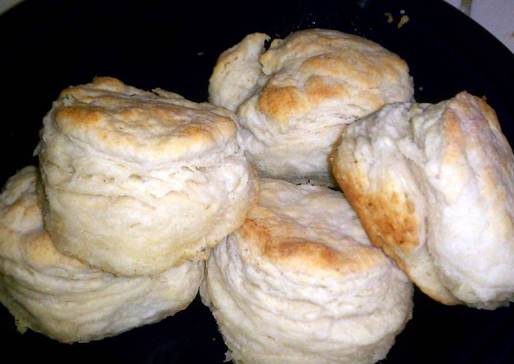 Sharon's Flaky Buttermilk Biscuits