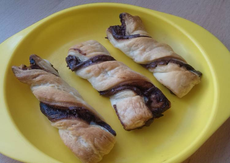 Step-by-Step Guide to Make Favorite Vickys Nutella Twists, Gluten, Dairy, Egg & Soy-Free