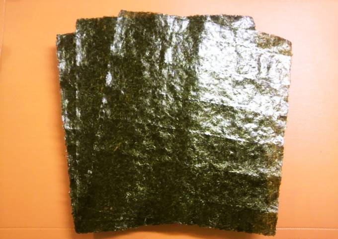 Nutritious Toasted Nori Seaweed for Dieters (Toasting Instructions)