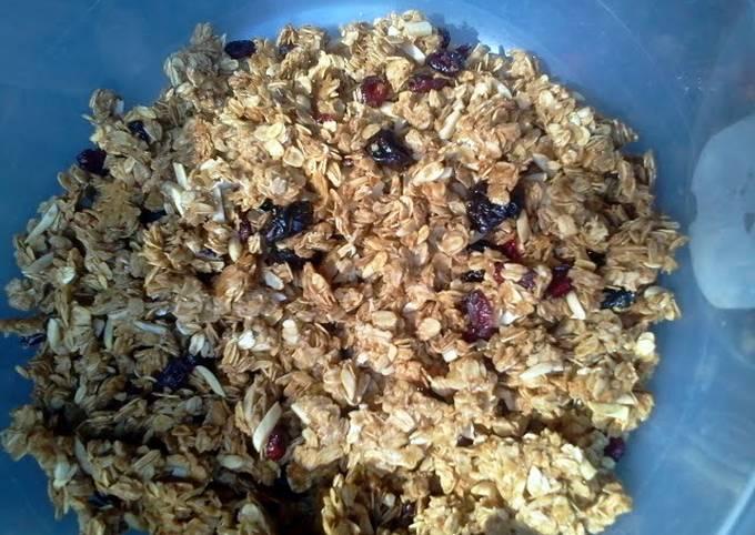 Healthy crunchy granola clusters