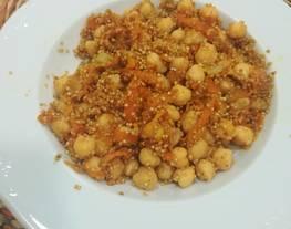 Garbanzos especiados con quinoa