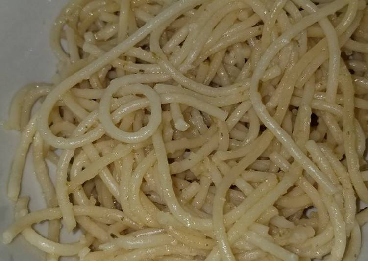 How to Make Appetizing Parmesan Garlic Rosemary noodles