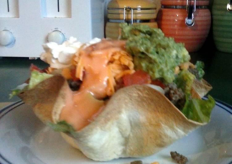 Quick and Easy Recipe: Tasty Brad's tortilla bowl taco salad