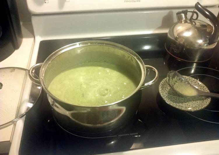 Sue's Cream of Broccoli Soup