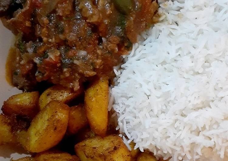 How to Prepare Perfect Beef stew/white rice/spicy garlic potatoes