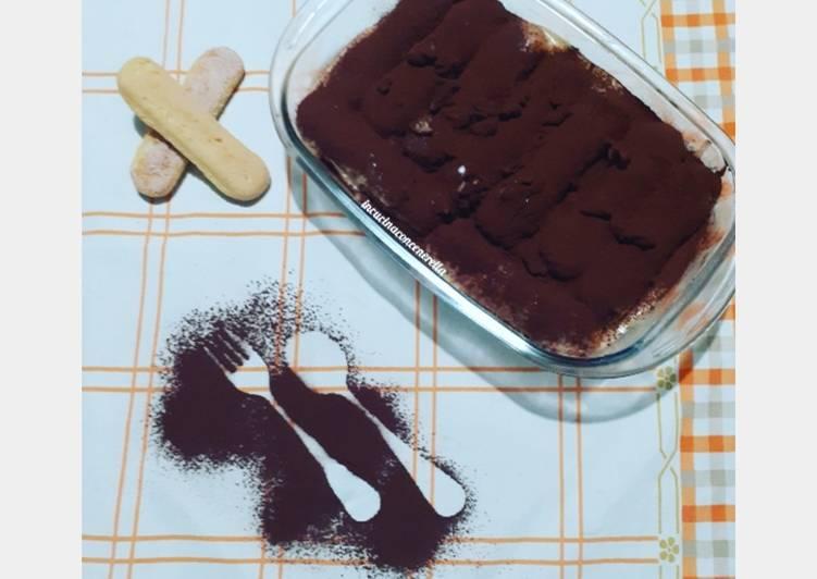 Ricetta Tiramisù con crema al cioccolato bianco e noci